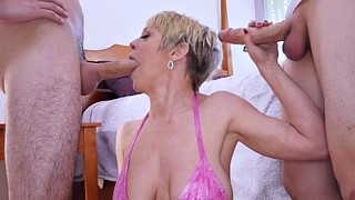Dee williams, Mom blowjob, Blonde mom, Mom bikini, Dee william, Threesome mom
