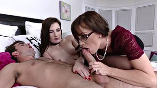 Photoshoot, Mother daughter, Photoshooting, Daughter threesome, Young cock, Daughter mother