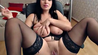 Solo girl, Girls, Hot boobs, Chatting, Thick solo, Solo boobs