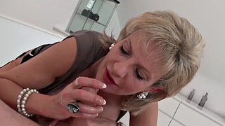Lady sonia, Delivery, Sonia, Milf handjob, Big tits mature, Gay mature
